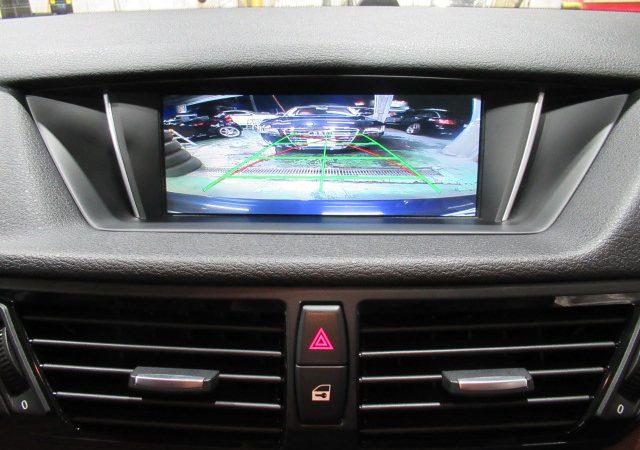 BMW X1(E84) バックカメラ取り付け