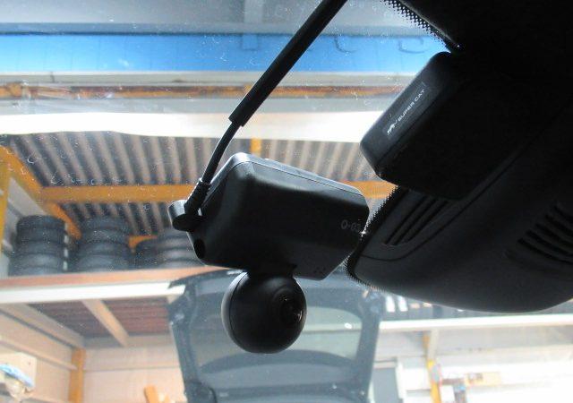 AMG CLS63(W218) 全天球型ドライブレコーダー、マルチバッテリー取り付け