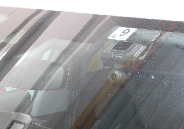 アウディ Q2(GA) 全天球型ドライブレコーダー、マルチバッテリー取り付け