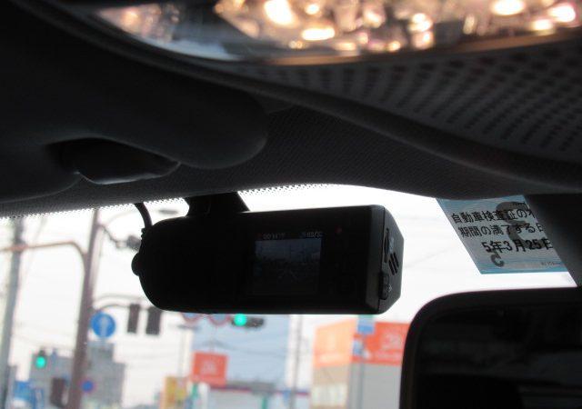 メルセデス・ベンツ GLC(X253) ドライブレコーダー取り付け