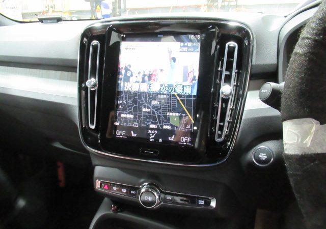 ボルボ XC40 テレビ、VISIT取り付け