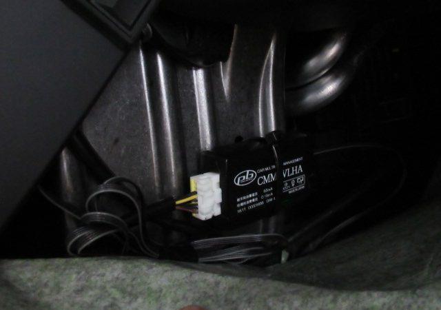 VOLVO V40 pb製 TVキャンセラー取り付け