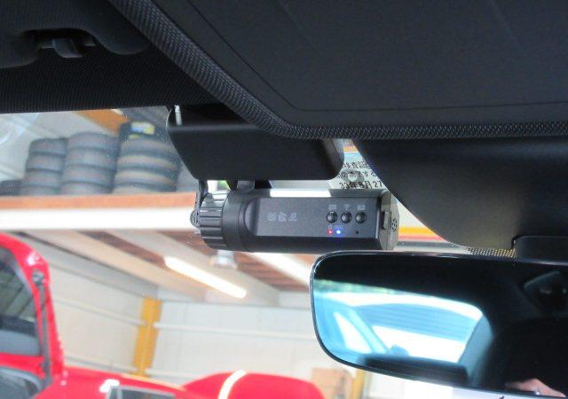 アウディ A3 セダン 2カメラタイプドライブレコーダー マルチバッテリー取り付け