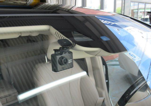 メルセデス・ベンツ Sクラス(W222) 2カメラタイプドライブレコーダー、レーダー取り付け