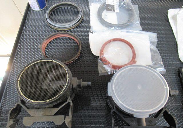 メルセデス・ベンツ Mクラス(W164) エアマスセンサー交換