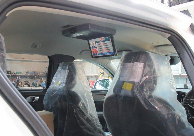 ボルボ XC40 地デジチューナー DVDプレーヤー 後席モニター取り付け