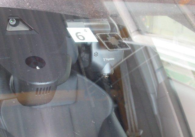 アウディ A4(8W) 全周囲360度+リア2カメラタイプドライブレコーダー取り付け