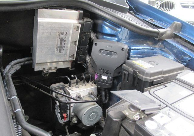 フォルクスワーゲン ポロ(6R) レースチップ、ドライブレコーダー取り付け